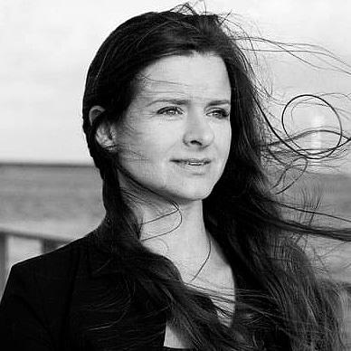 Rikke Østergaard er Sociolog fra Københavns Universitet med en B.A. grad fra University of Sydney samt stifter af Erhvervssociologen
